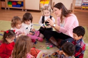 teacher and kids circle time